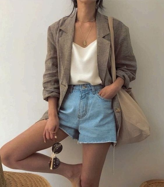 Áo khoác blazer là gì? Cách mix đồ với áo blazer